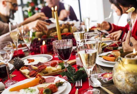 5 Tips to how to avoid overeating at Christmas parties 🎄